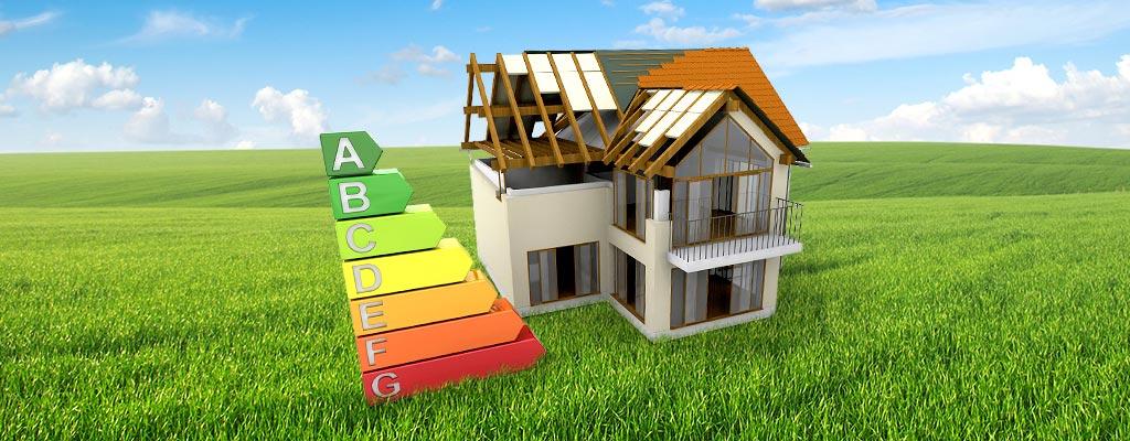 Haus, Dach wird erneuert, Wiese, Energie Effizienzskala